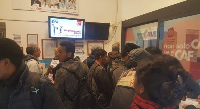 Al Caf Uil di via Cavour single e famiglie in attesa per il reddito di cittadinanza