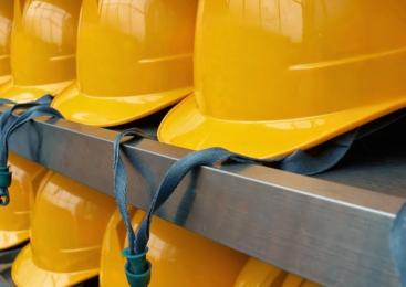 L'edilizia nel Lazio tra cantieri fermi e lavoratori irregolari
