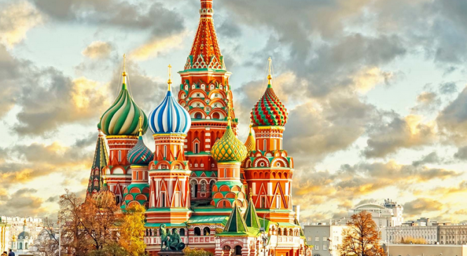 «Ludmila. La Russia dagli Zar a Putin». Il libro dedicato alla filosofa russa