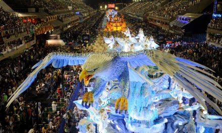 Niente Carnevale di Rio. Il turismo sporfonda